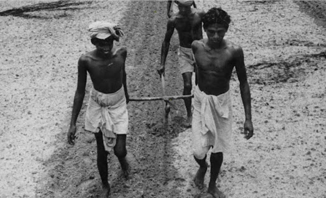 বাংলায়  মন্ত্র পাঠ করার   অতীত সংস্কৃতি
